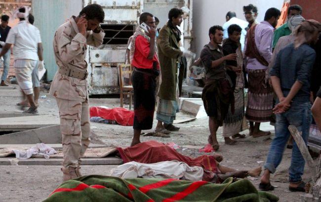 В Ємені смертник підірвався у натовпі військових, загинули 30 осіб