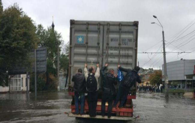 Фото: Шторм в Одессе