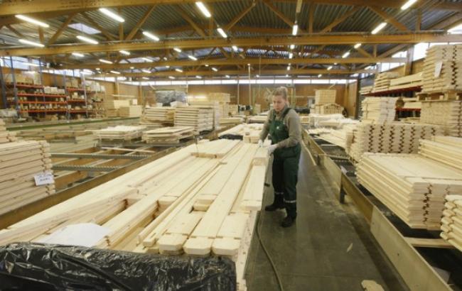 Спрос на древесину со стороны отечественных деревообработчиков снижается