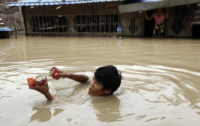 Внаслідок повені в М'янмі загинули 99 осіб
