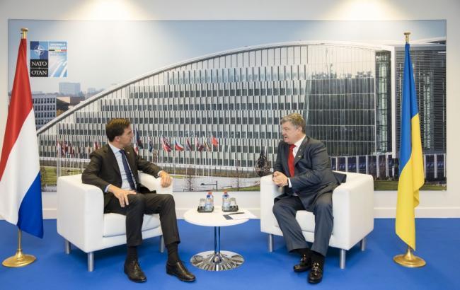 Саміт НАТО: Порошенко провів переговори з прем'єром Нідерландів