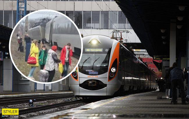 Возле Запорожье слетел с рельс поезд Интерсити: все подробности