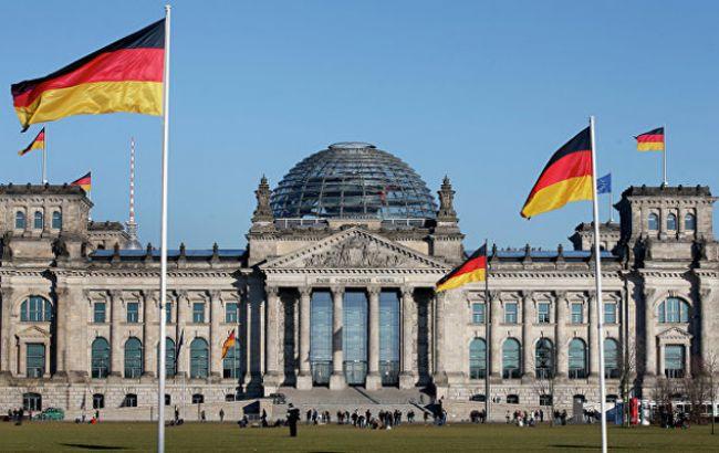 Німеччина спростувала заяви про видачу віз мешканцям Донбасу із російськими паспортами