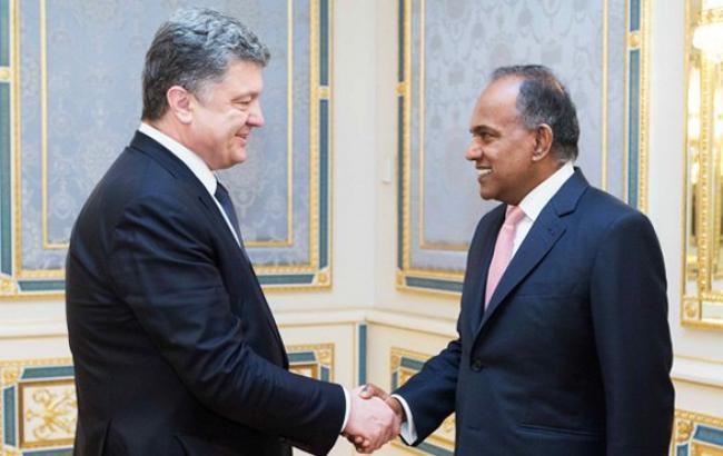 Порошенко пригласил бизнес Сингапура увеличить поток инвестиций в Украину