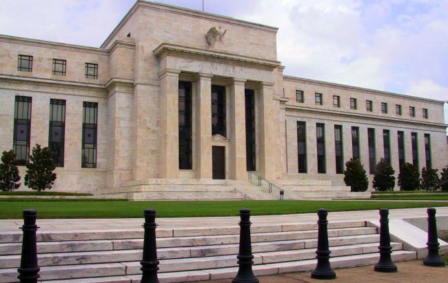 Федеральная резервная система США не изменила базовую ставку