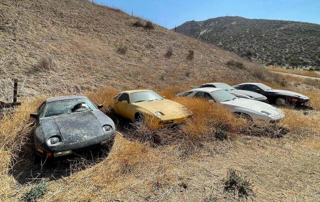 В Калифорнии нашли поле с брошенными спорткарами Porsche