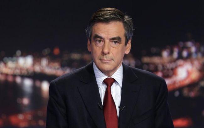 Фийон объявил, что Францию ожидает финансовая участь Греции