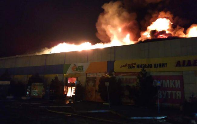 У Полтаві горить автостанція та ринок