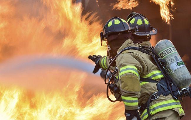 Пожар в летнем лагере в Одессе: в сети появилось видео с камеры пожарника