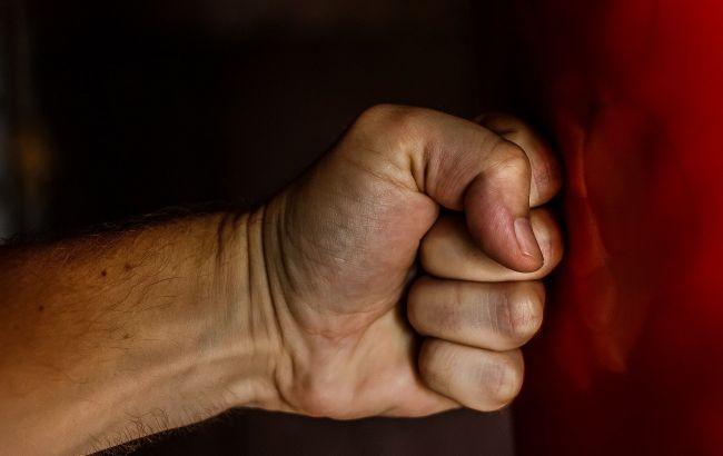 """Мат - это неправильно: депутат напал на ведущего """"Телебачення Торонто"""" (видео)"""