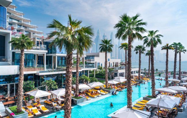 Экскурсии и теплые пляжи: спрос на отдых в ОАЭ и Турции резко вырос на период школьных каникул