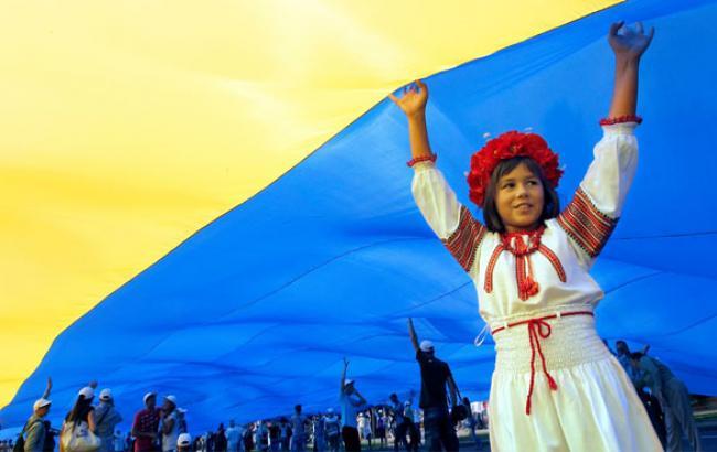 Фото: Маленька патріотка України (dnepr.info)