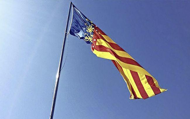Жители Каталонии собрались в очередь у избирательного участка в Барселоне