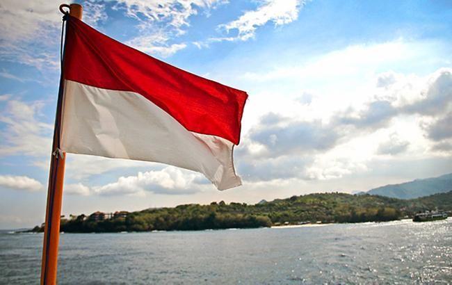 В Индонезии автобус упал в реку, 27 погибших