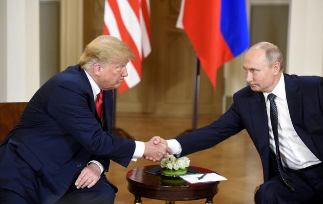 Сговор между кампанией Трампа и РФ не может обсуждаться в деле Манафорта, - судья