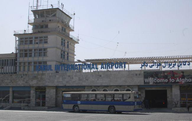 Талибы призвали возобновить международное авиасообщение с Афганистаном