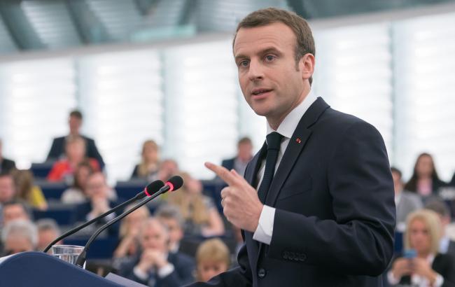 Макрон запевнив, що не хотів образити Італію заявами щодо біженців