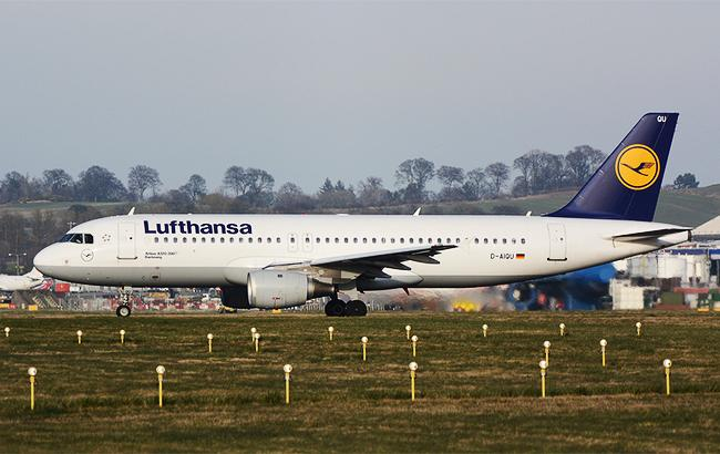 Фото: самолет Lufthansa (flickr.com Mark Piacentini)