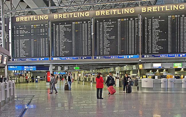 Ваэропорту Франкфурта-на-Майне неизвестные распылили слезоточивый газ
