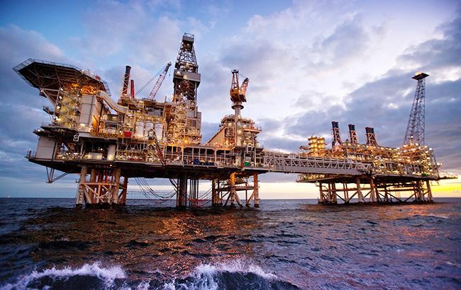 Цена нефти Brent поднялась выше 67 долларов забаррель