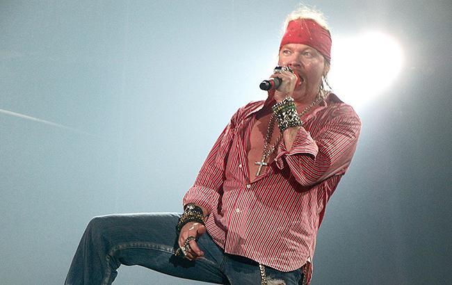 Фронтмен легендарной рок-группы серьезно болен