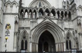"""Фото: суд Лондона рассмотрит апелляцию Украины по """"долгу Януковича"""" в начале следующего года (flickr.com ell-r-brown)"""