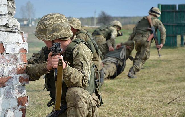 В зоні АТО в результаті прицільних обстрілів поранений солдат ЗСУ