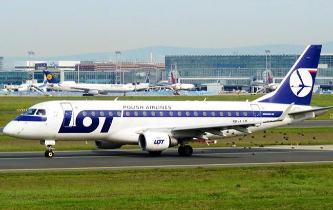 Польська авіакомпанія LOT запустить рейси в Івано-Франківськ