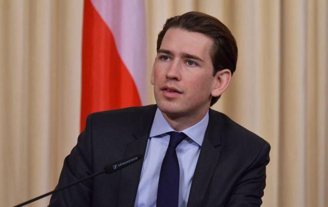 Канцлер Австрії запропонував Путіну провести зустріч з Байденом у Відні