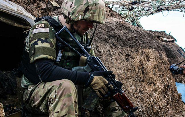 На Донбасі в результаті обстрілів загинув український військовий, - штаб