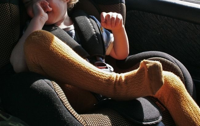 Опубликован закон о штрафах за перевозку детей без автокресел
