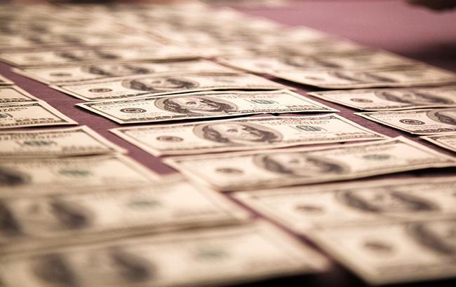 Курс долара на міжбанку різко перевищив 28,40 гривень