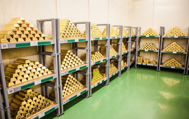 НБУ понизил курс золота до 343,4 тыс. гривен за 10 унций