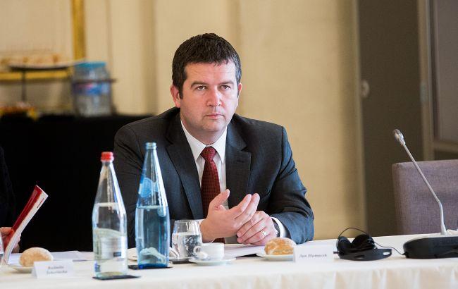 Вице-премьер Гамачек: высылка 20 дипломатов Чехии из РФ парализует работу посольства