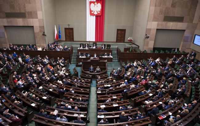 Польша одобрила новые правила трудоустройства для украинцев