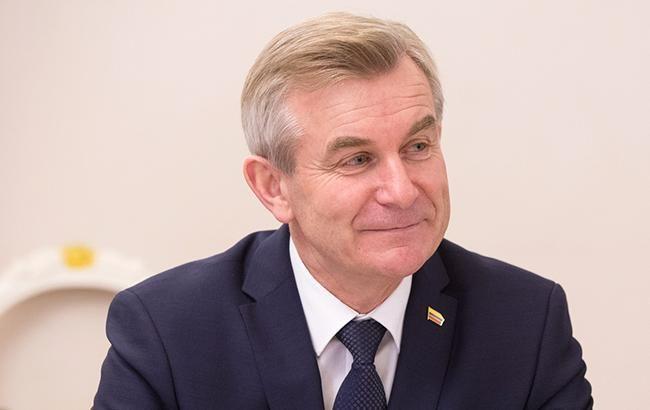 Порошенко обговорив зі спікером Сеймаса Литви подальше посилення санкцій проти РФ
