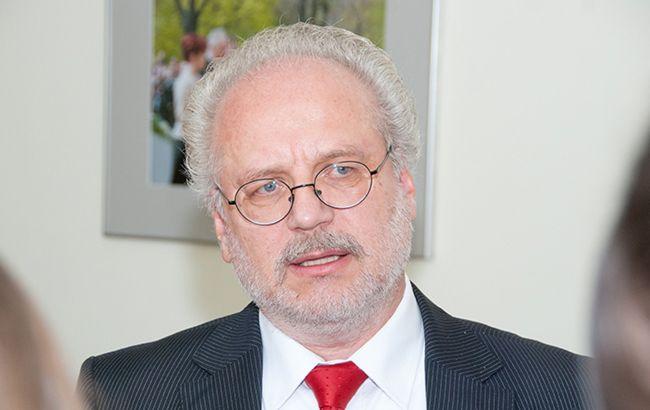 У вакцинованого президента Латвії виявили коронавірус