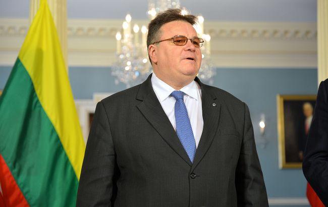 Голова МЗС Литви самоізолювався після контакту з зараженими коронавірусом