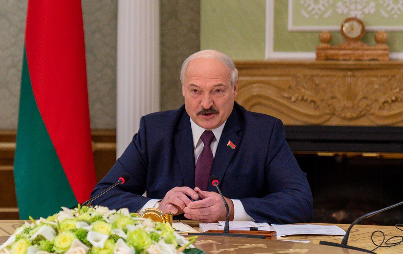 Лукашенко: с новой конституцией президентом работать не буду