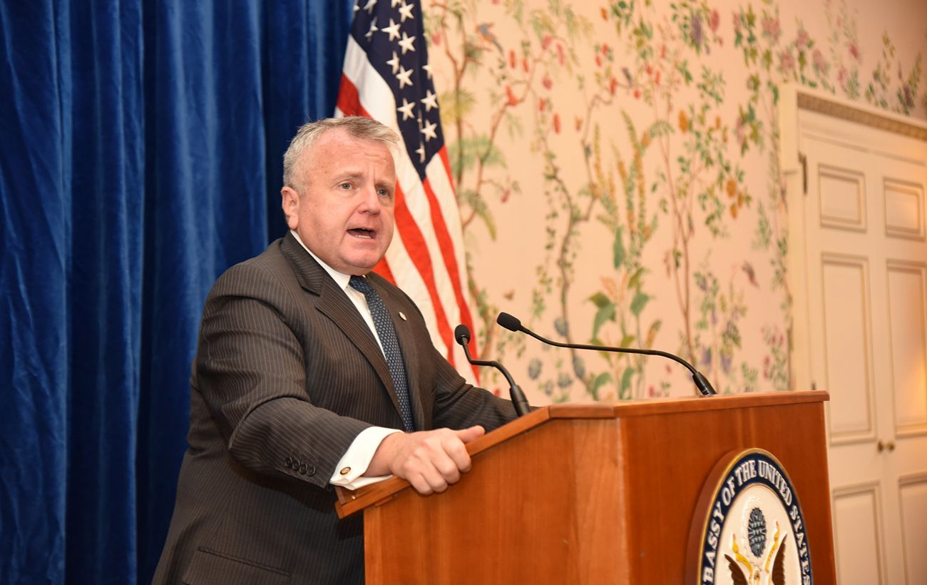 Посол США отказывается покинуть Россию, несмотря на рекомендации Кремля