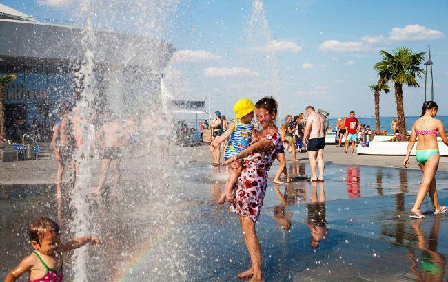 Лето в разгаре: как добраться к морю на поезде во время карантина