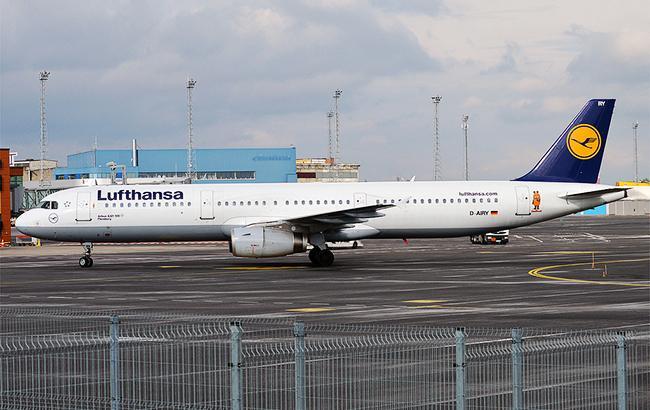 Отказал мотор: самолет со158 пассажирами экстренно сел вБерлине