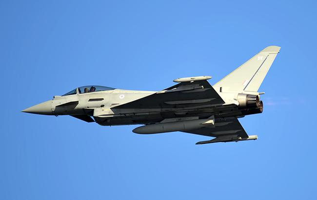 Літаки Британії перехопили два бомбардувальники Росії