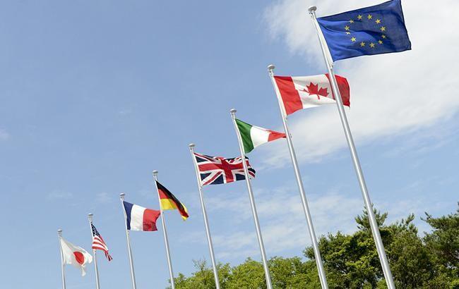 """Совет ЕС одобрил """"азовский пакет"""" санкций против России"""