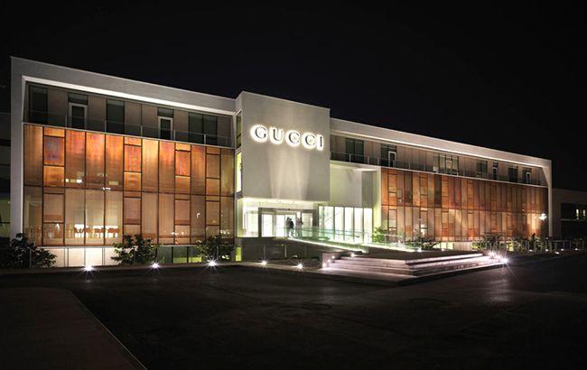Вофисах Gucci прошли обыски врамках дела онеуплате налогов