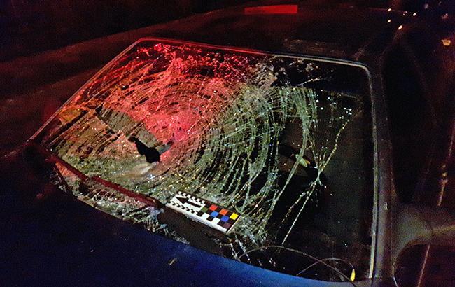 """10 машин в хлам: у Кривому Розі """"євробляхер"""" розніс автостоянку (фото)"""