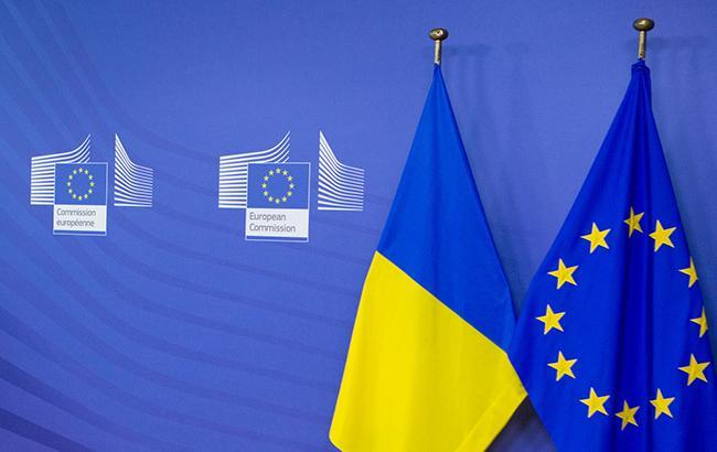 Фото: флаги Украины и Евросоюза (flickr.com/petroporoshenko)