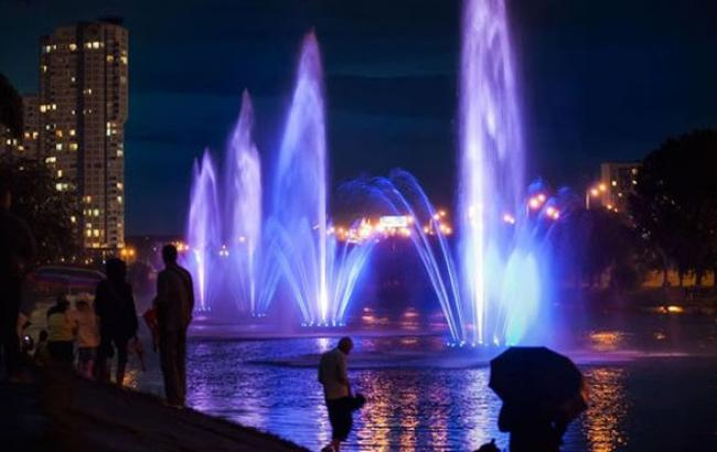 Фото: Оновлені фонтани Русанівки (facebook.com)