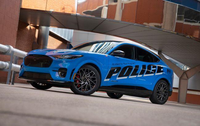 Поліцейські почали випробування електромобілів Ford