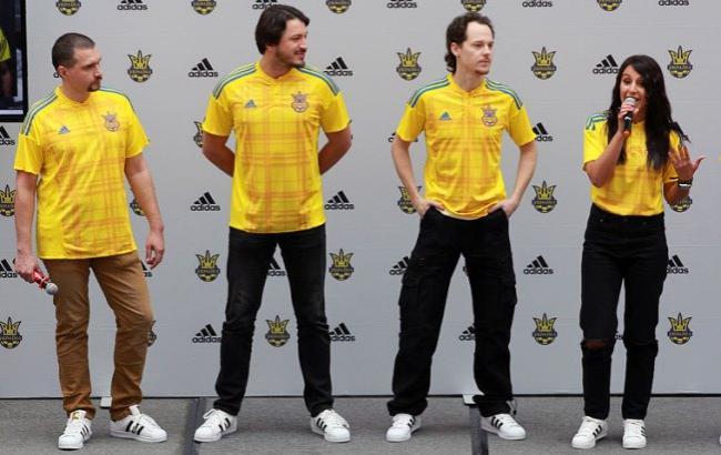 В Киеве представили форму сборной Украины для Евро-2016